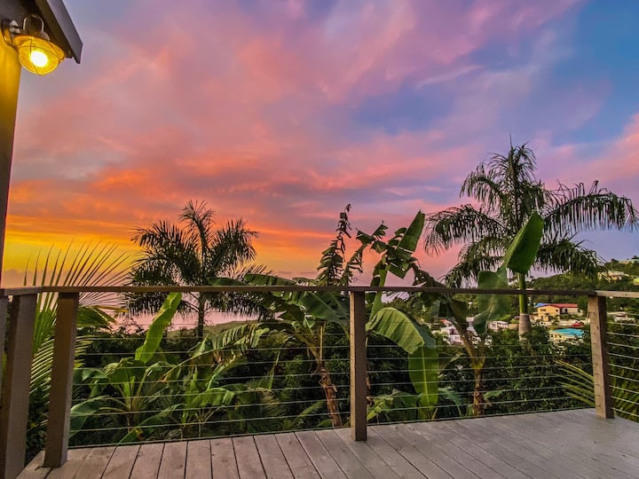 Palm Deck, a Private Slice of Paradise