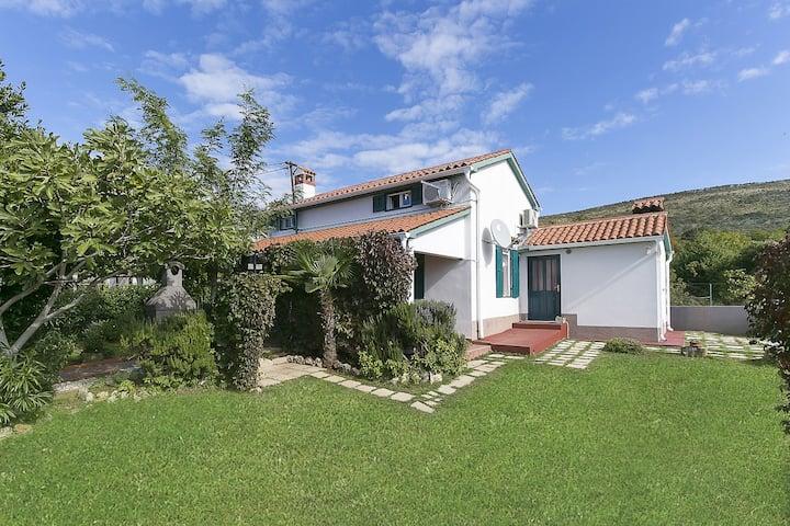 Charming Casa Adele with big garden near the sea