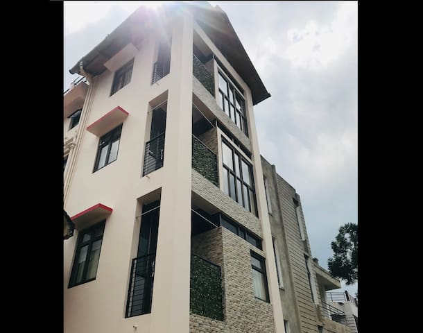 Ariza's Homestay (Second Floor)