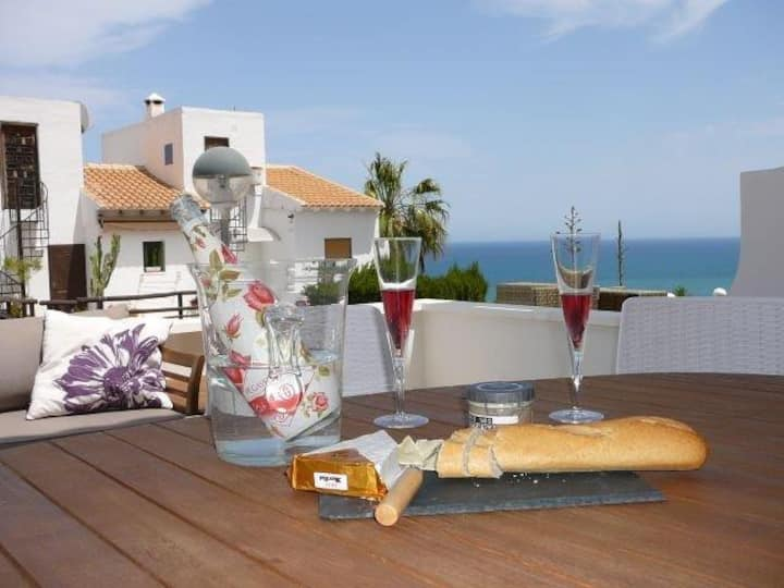 Casa Themba Sea View, luxury holiday home.