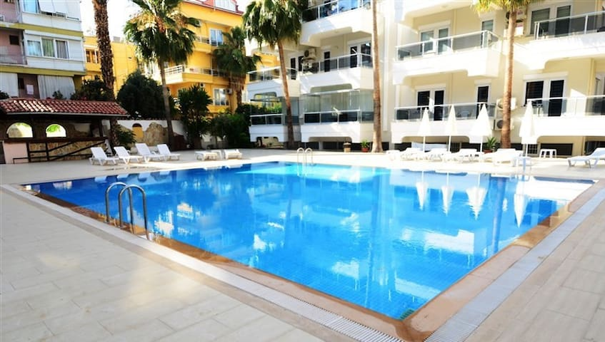 Cozy apartment with swimming pool Kleopatra Beach - Alanya - Leilighet
