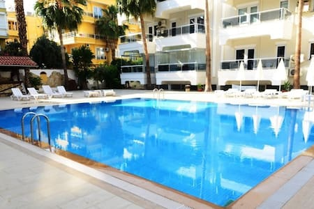 Cozy apartment with swimming pool Kleopatra Beach - Alanya - Daire
