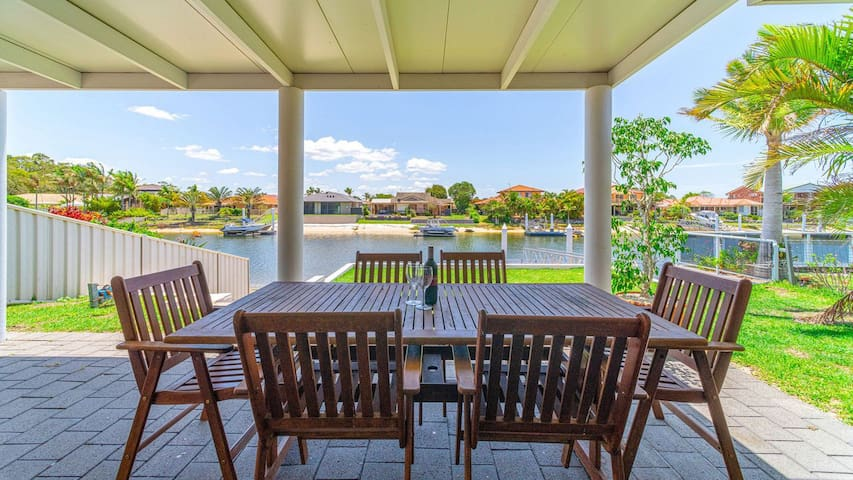 Anchorage, Waterfront unit in Yamba