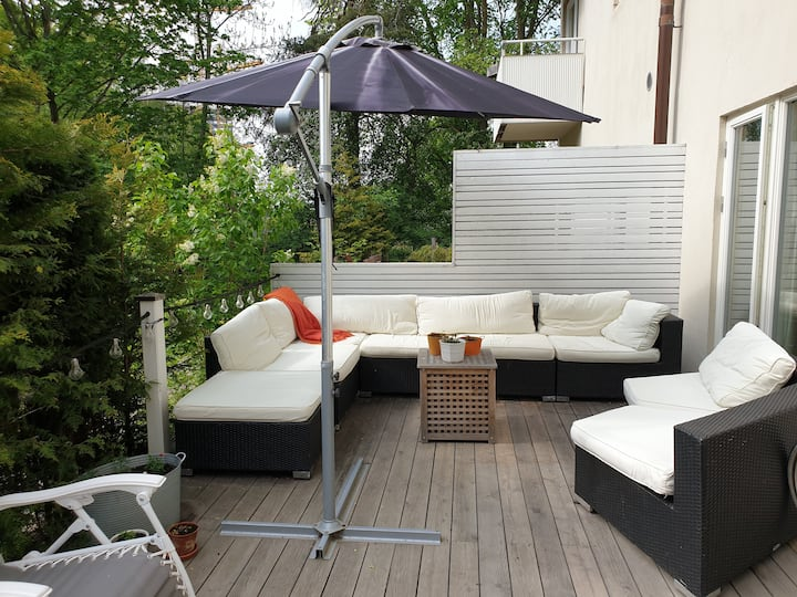 Cosy apartment with sunny patio