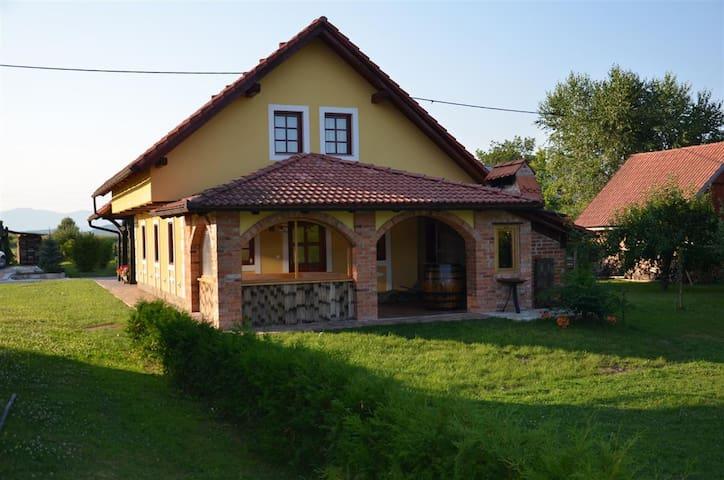 Holiday house Kovačnica Sreče - Gradac - Dům
