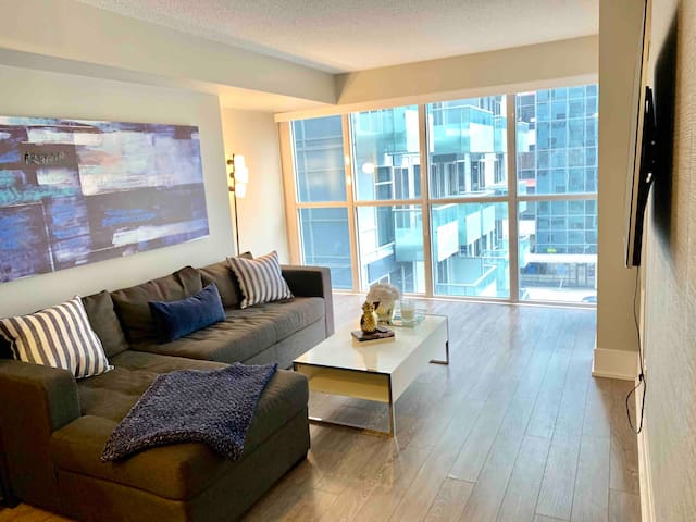 Luxury space downtown with a view of the CN Tower
