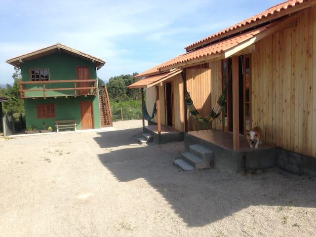 aluga-se cabanas novas e completas praia do rosa - Imbituba - Apartament