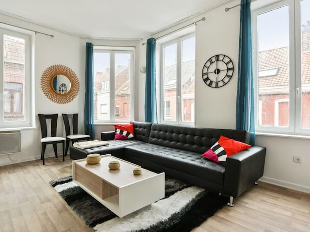 Modern and nice flat in Croix, between Lille and Roubaix - Welkeys