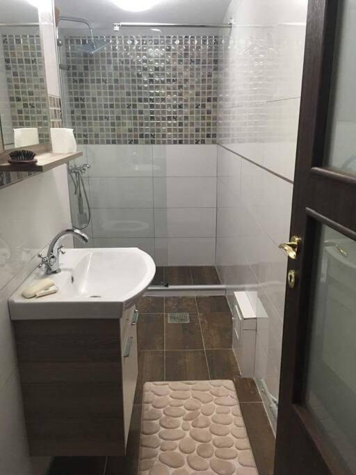 Bathroom on second flour