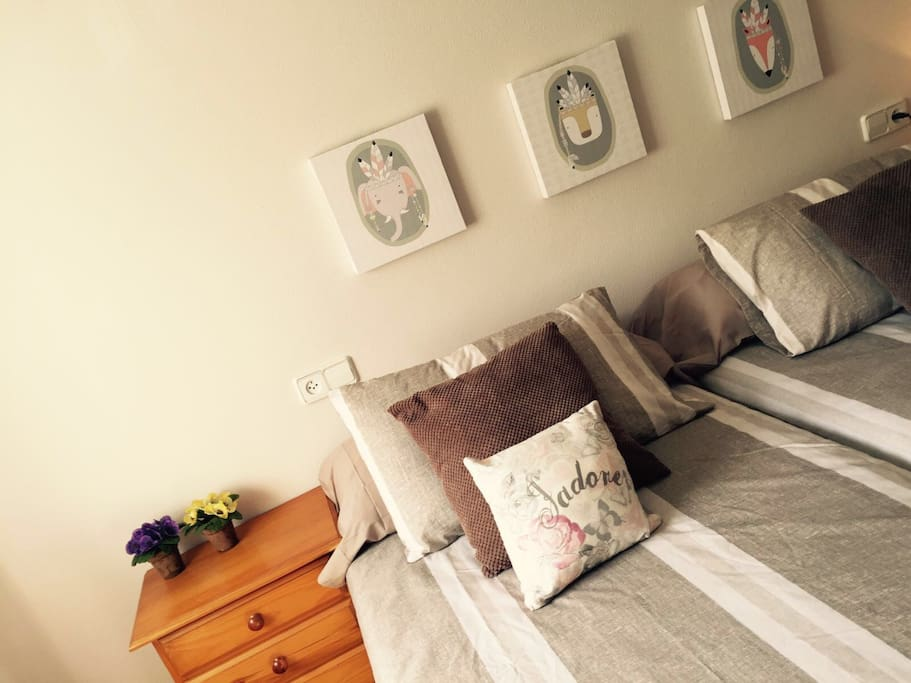 dormitorio, 2 camas de 90 cms