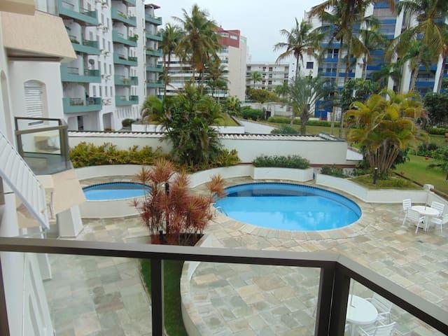 Apto na Riviera de S. Lourenço - beira-mar, 2 qtos - Bertioga - Wohnung
