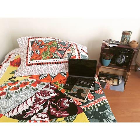 Bomontide minik oda:) - Şişli - Haus