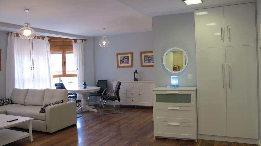 Muy céntrico, nuevo, moderno y confortable 4 plazs