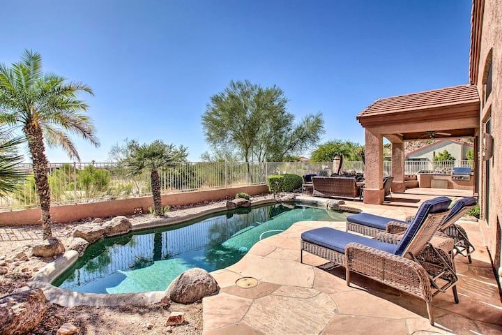 Mesa House on Golf Course w/ Backyard Oasis!
