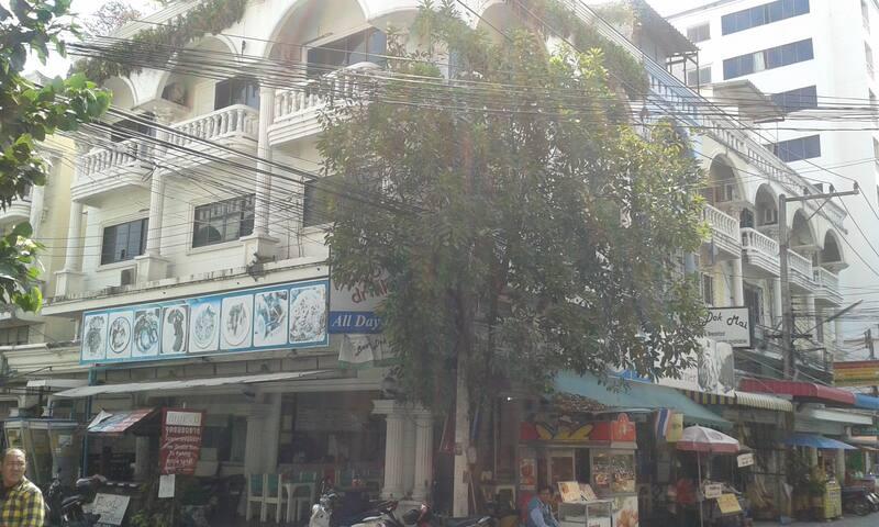 BAAN DOK MAI GUEST HOUSE PATTAYA