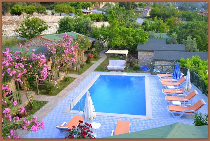 Montenegro Motel/Double Room - Uzunyurt - Oda + Kahvaltı