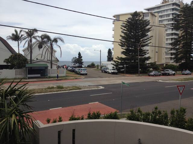 Across the street from the beach - Collaroy - Apartment