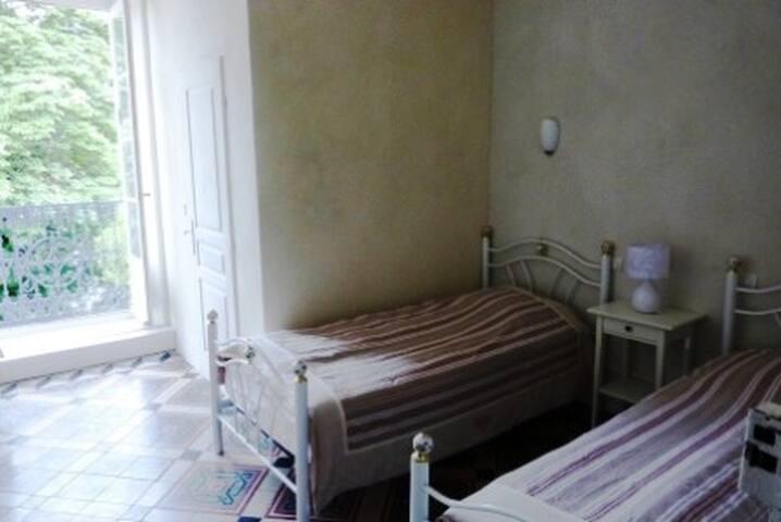 Les santolines  Chambre à 2 lits