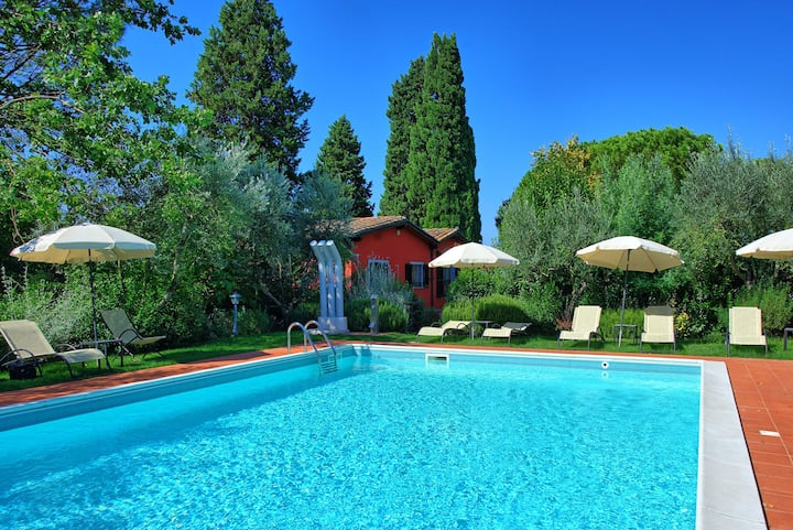 Villetta Montecuccoli - Holiday rental with swimming pool in Montelupo Fiorentino, Tuscany.
