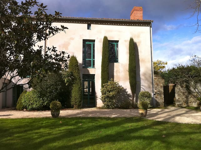 2 chambres de charme au calme  - Saint-Philbert-de-Grand-Lieu - Bed & Breakfast