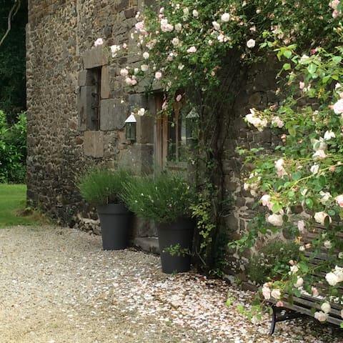 La Binellerie Garden Gite - Miniac Morvan - Leilighet