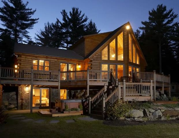 Mother Moose Luxury Log Cabin - Danbury - Rumah