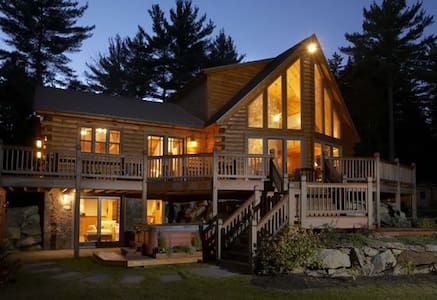 Mother Moose Luxury Log Cabin - Danbury - Dom