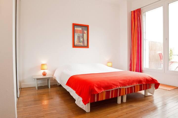 le Mûrier: chambre orange