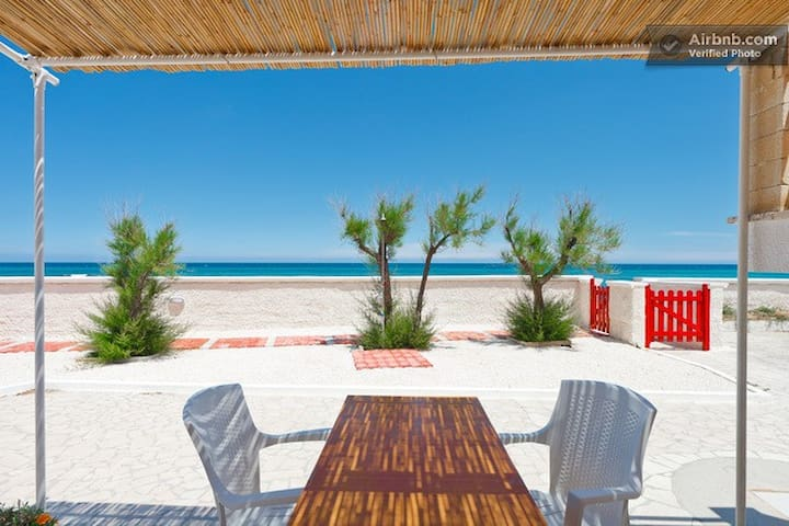 "Apartment ""Blue"" on the sandy beach - Monopoli"