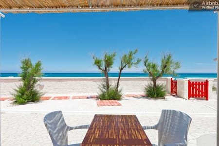 "Apartment ""Blue"" on the sandy beach - Monopoli - Apartamento"