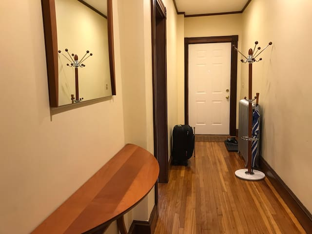 Leafy & Tranquil, Artist house. Easy access Boston