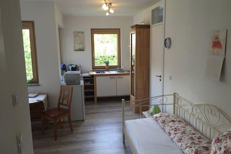 Cozy apartment in Weimar Südstadt -exposed area - Weimar
