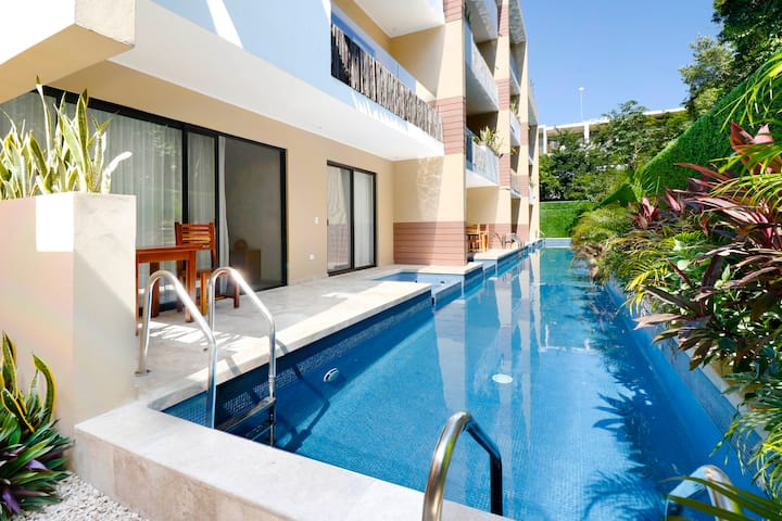 Modern Swim-Up Suite, Sleeps 6, Aldea Zama Prime Location