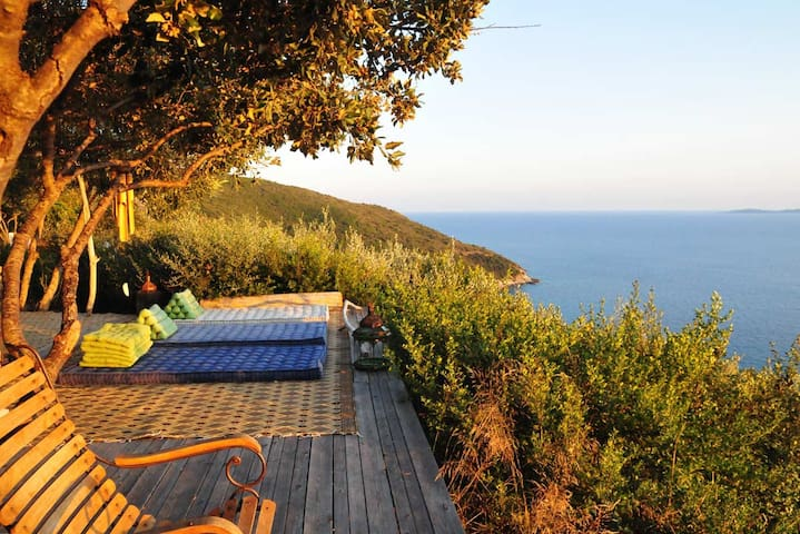 Seafront Ecolodge breathtaking view
