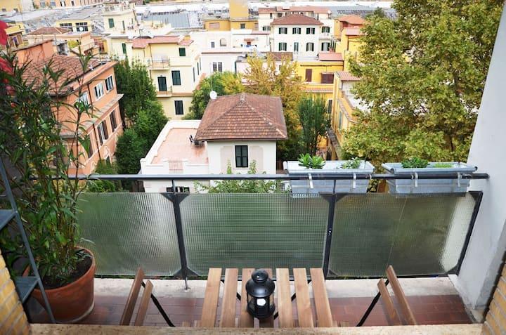 Maurice Penthouse, San Giovanni