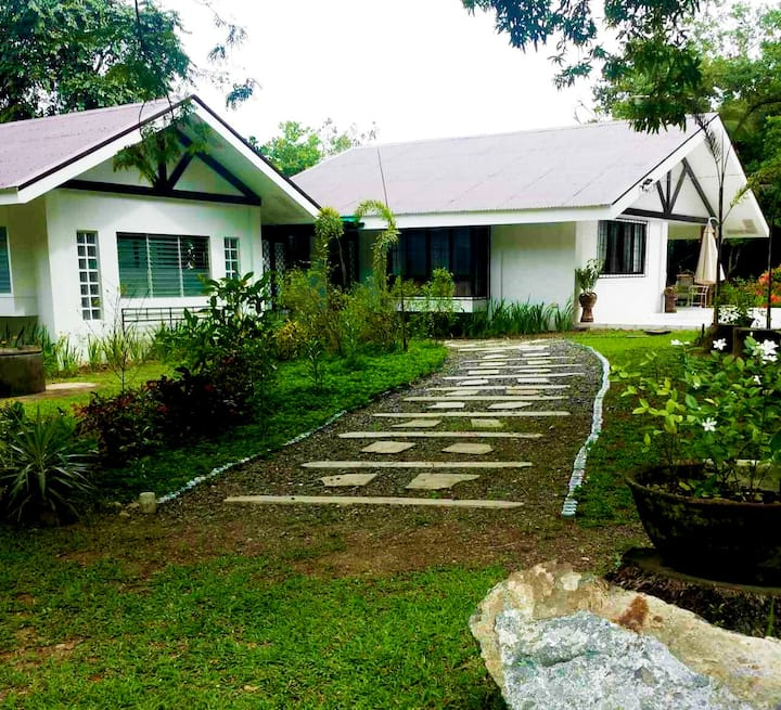3BR Bed & Breakfast farm house in Guimaras
