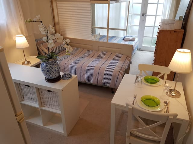 Lovely private Studio close to Macquarie Uni - Pymble - Haus