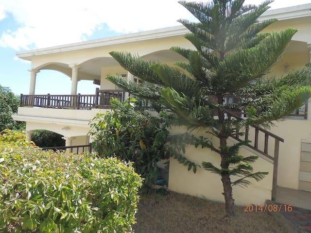Villa  Avec Piscine, WIFI Gratuit - Flic en Flac - Haus