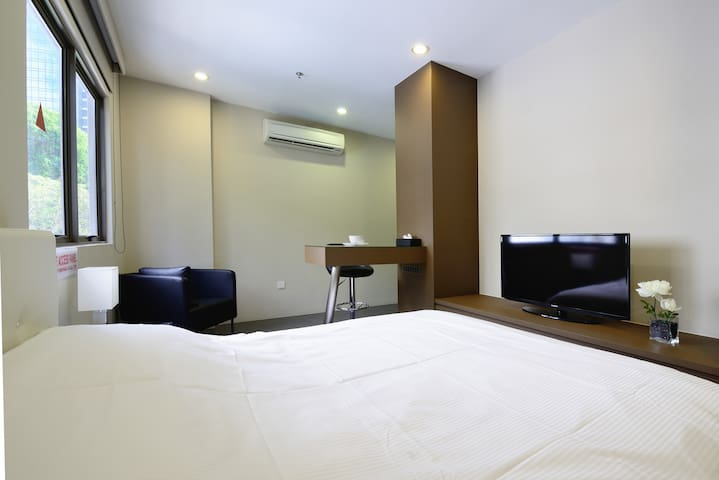 Modern Serviced Studio in CBD w MRT