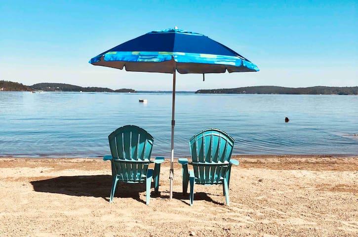 *Private Beach* Camp Killifish on Malletts Bay