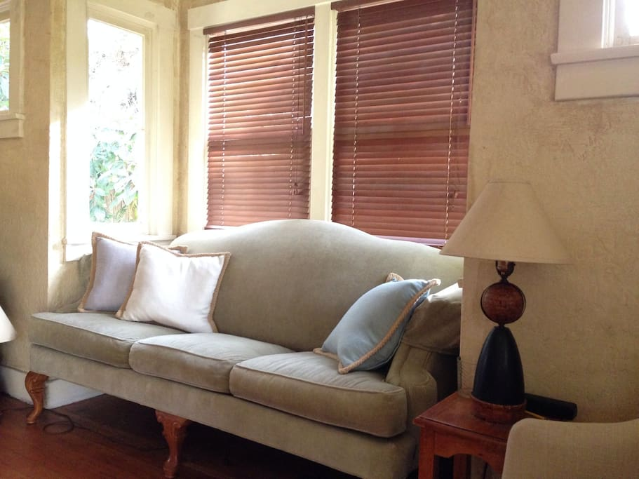 Linen details and comfy couch and chairs!!