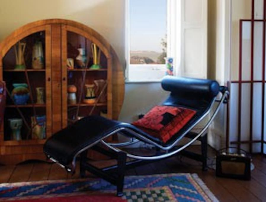 corbusier recliner with sea view