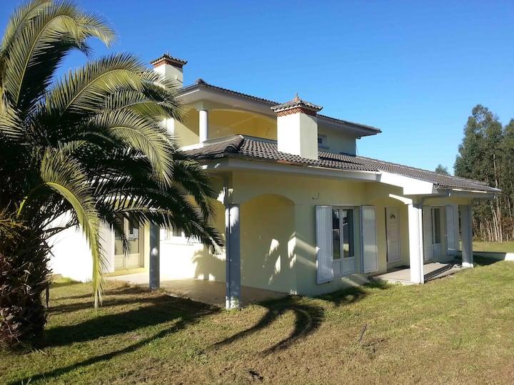 Villa de 350 m2, Corga de Lobao,  PORTO