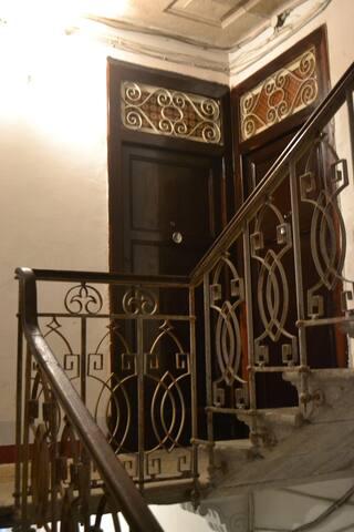ingresso  (1 piano )