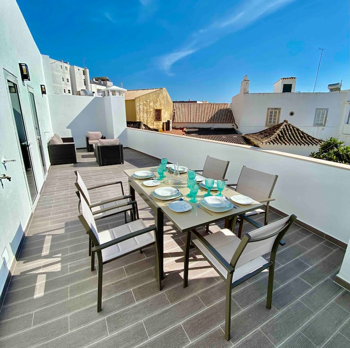 Azure Penthouse with Huge Balcony in Central Faro