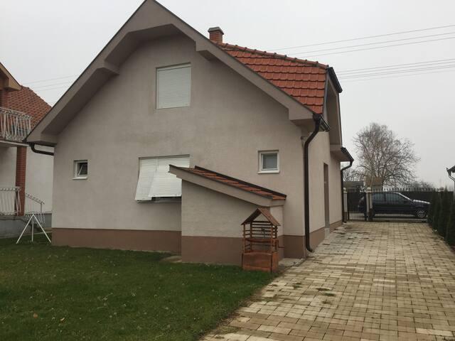 Maison de campagne Serbe