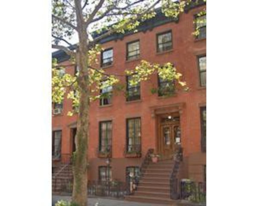 Located in classic brownstone. Hip, convenient neighborhood with lots of shops/ transport/ restaurants.