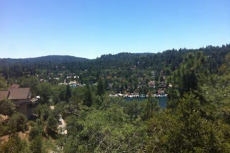 Spacious 3-Story Lakeview Home - Lake Arrowhead - Hus