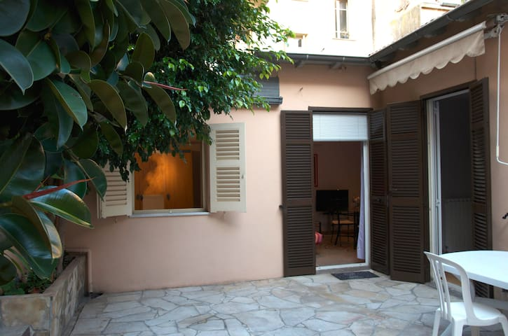 Maison rez de jardin centre ville houses for rent in menton paca france - Maison rez de jardin ...
