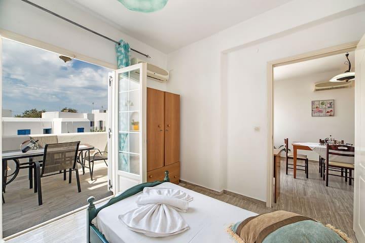Lomvardou Charming Family Apartment for 2-6 - Paros - Apartamento